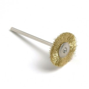 Cepillo montado alambre latón