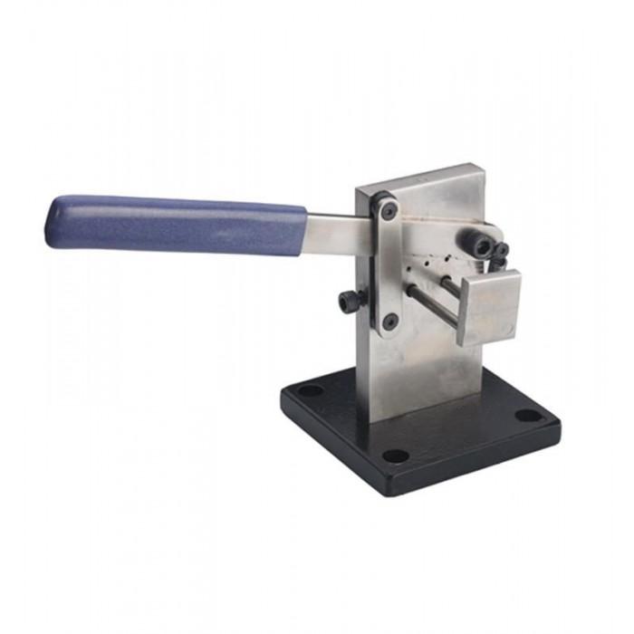 Guillotina para cortar hilos hasta 1,5 mm.
